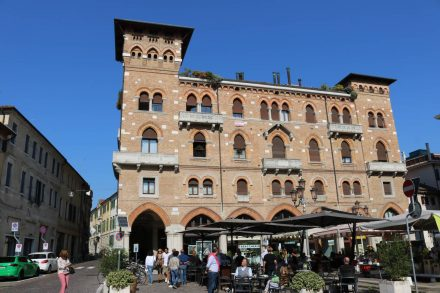 Plätze und Paläste - die Stichwörter für Treviso.