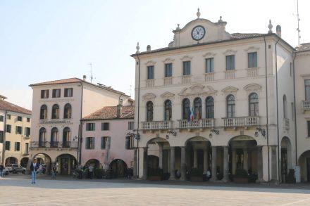 Das Rathaus von Este.