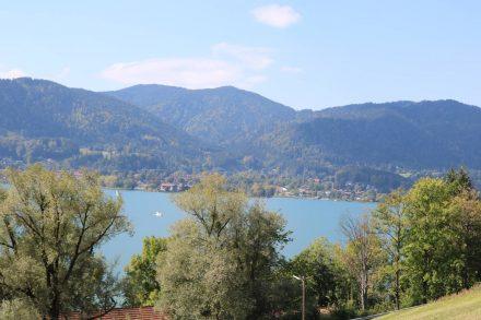 Blick vom Tegernseer Höhenweg ins Tal.