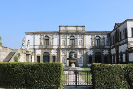 Die prächtige Villa Duodo im Heiligtum der Sieben Kirchen.