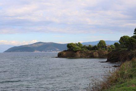 Hinter der Landzunge liegt San Marco.