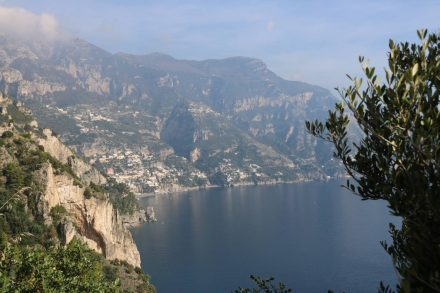 Der erste Ort an der Amalfiküste nach Sorrent - Positano.
