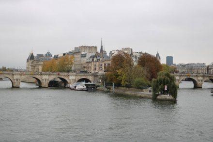 Blick zurück auf die Pariser Insel.