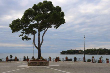 Piazza Giovanni Paolo in Ogliastro Marina.