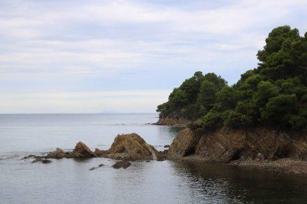 Noch ein paar einsame Buchten entlang des Kaps der Sirenen.