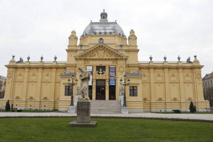 Das riesengroße Kunstmuseum von Zagreb.