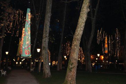 Auch im Park über der Centrum Parkgarage ist kreativ dekoriert.