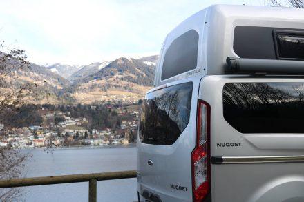 Das Hochdach schafft viel Kopffreiraum im Ford Nugget von Westfalia.