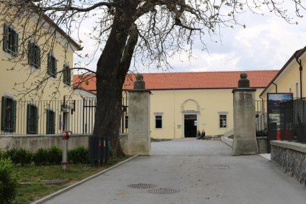 Der Deckhengst-Stall ist in den ältesten Gebäuden Lipica's untergebracht.