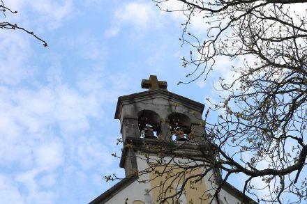 In der alten Kirche von Lipica finden heute noch Hochzeiten statt, zu denen die Kirchenglocken läuten.
