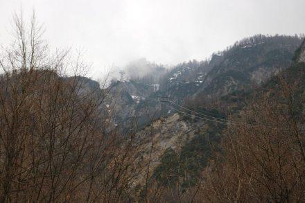Ganz am Ende des Bohinj Sees führt eine Gondel hinauf ins Skigebiet.