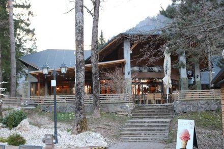 Schönes Ambiente, gutes Essen und faire Preise im Restaurant am Camping Bled.