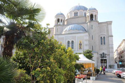Am Canale Grande in Triest steht die Kirche Sant'Antonio Taumaturgo.