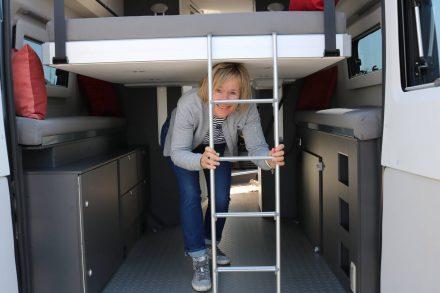 Für aktive Reisen mit dem Wohnmobil - der Adria Twin Supreme mit Hubbett