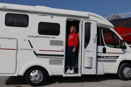 Kompaktes teilintegriertes Wohnmobil: Der Adria Compact Plus