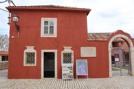 Im kleinen Museum von Nin sind zahlreiche Fundstücke aus der Römerzeit ausgestellt.