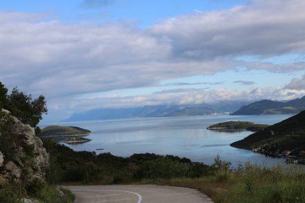 Wunderschöne Stimmung über der Bucht von Brijesta.