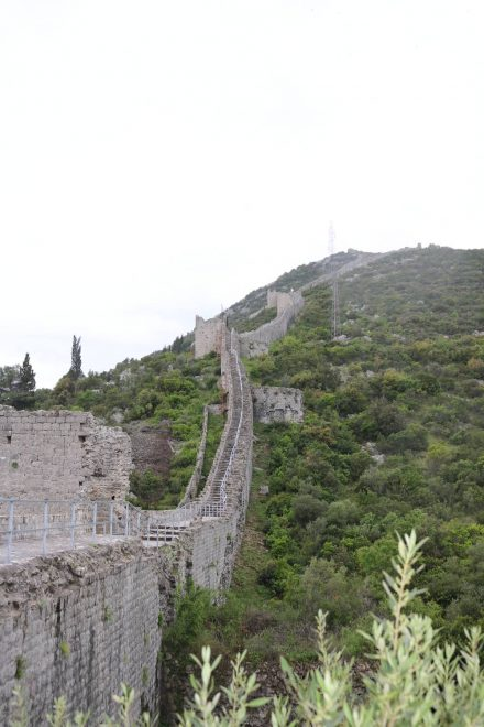 Über 100 Jahre wurde an der Festungsmauer Ston gebaut.