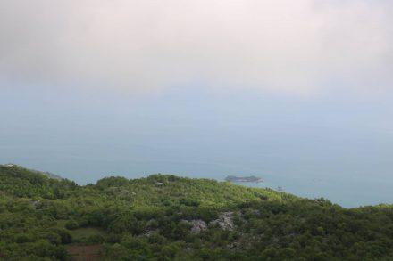 Bei Astros öffnet sich der erste Blick auf den Skadarsko jezero.