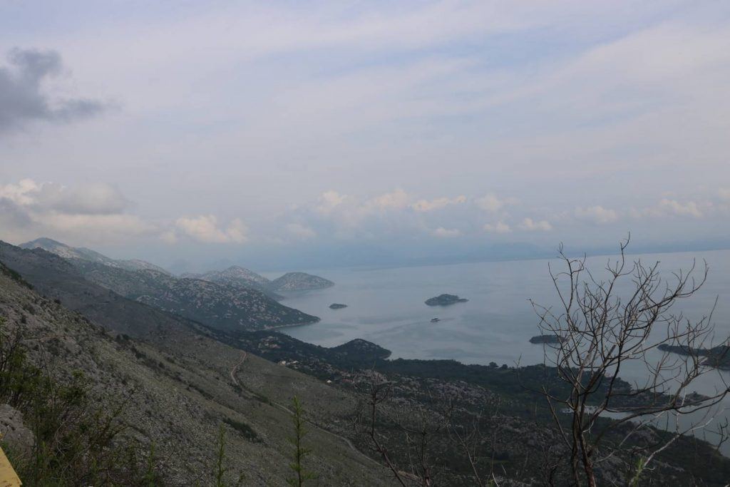 Der riesige Skutarisee zwischen Montenegro und Albanien.