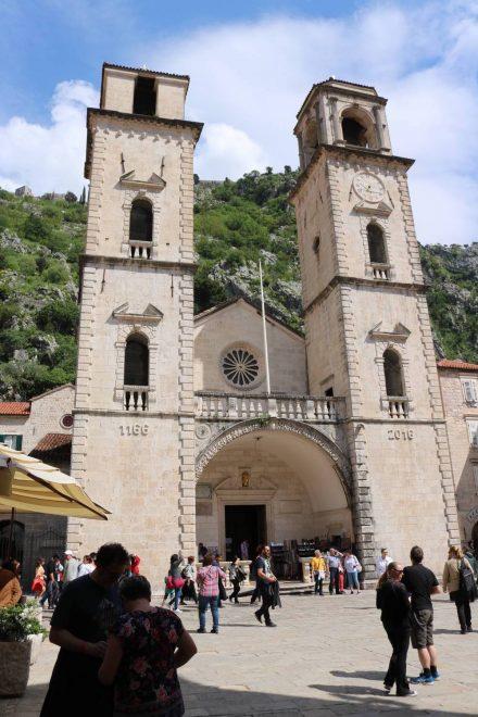 Die älteste noch erhaltene romanische Kirche steht in der Altstadt von Kotor.