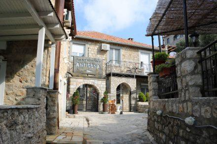 Die Altstadt von Ulcinj mit hübschen Restaurants ist liebevoll restauriert.
