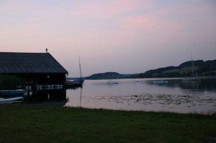 Romantischer Sonnenuntergang am Obertrumer See.
