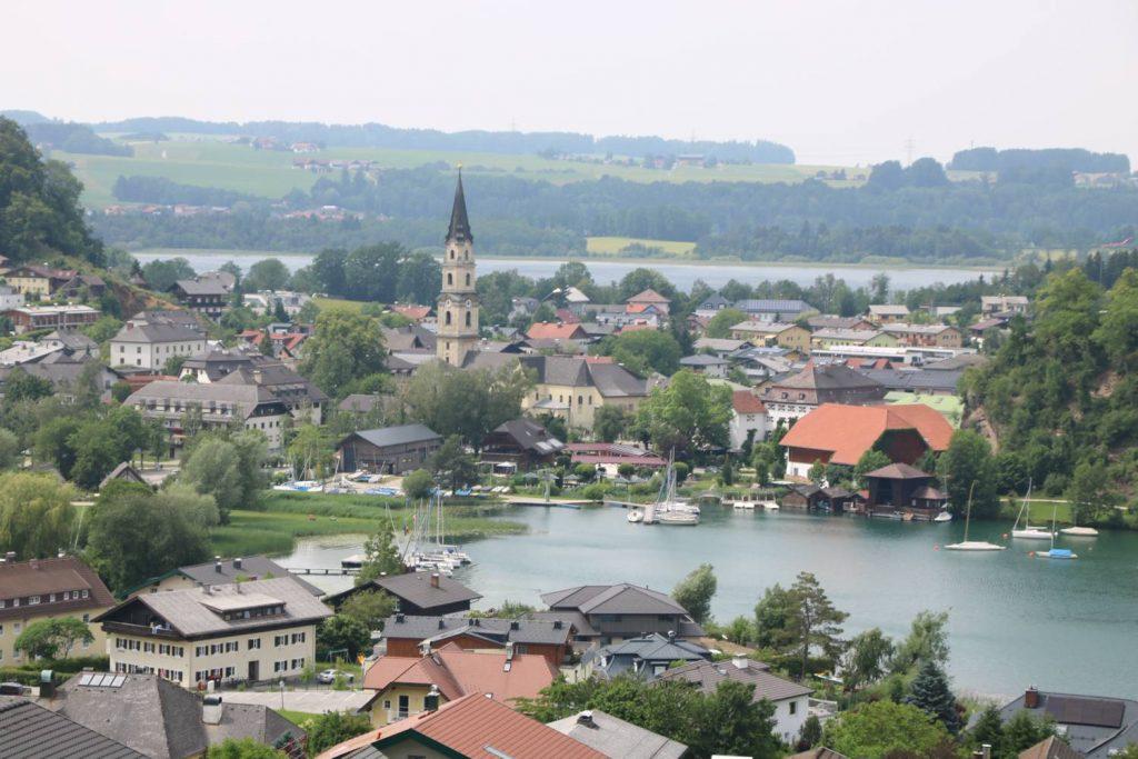 Der Ort Mattsee am gleichnamigen See.