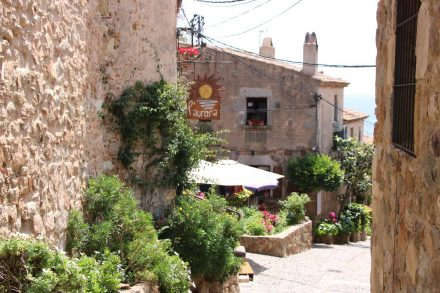 Die pittoreske Altstadt von Tossa de Mar.