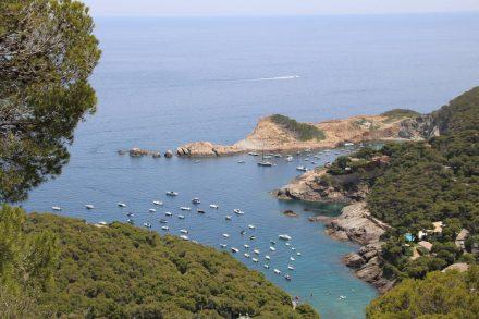 Blick hinunter in die Bucht vom Mirador aus.