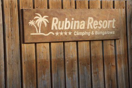 Das Rubina Resort liegt fast direkt am Strand in Empuriabrava an der Costa Brava.