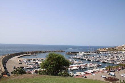 Blick auf den Hafen von Palamos.