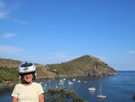 Die Bucht La Pelosa erreicht man nur über eine rumpelige Sand-Piste - auch mit dem Roller.