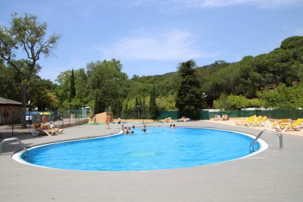 Der Swimmingpool am Campingplatz Pola.