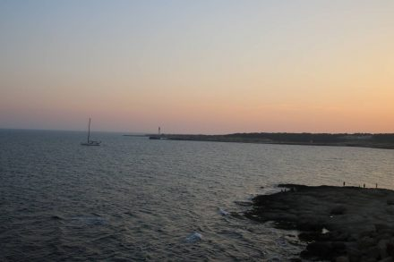 Wunderschöne Abendstimmung über der Bucht von Sainte Croix bei Martigues.
