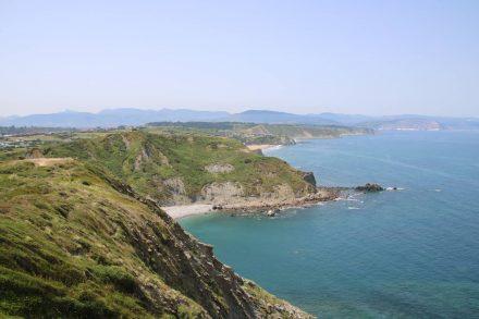 Wandern an der Steilküste des Atlantik im Baskenland