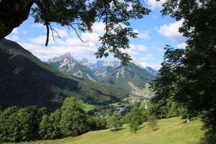 Wunderschöne Aussichten auf Kranjska-Gora und die Julische Alpenkette.