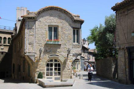 Die mittelalterliche Stadt La Cite Carcassonne ist sehr gut erhalten und gepflegt.