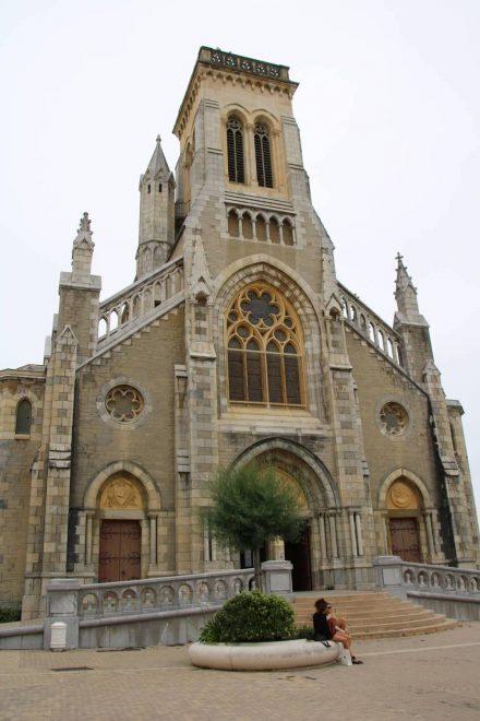 Das Portal der Stadtkirche von Biarritz.