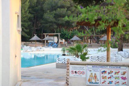 Das Schwimmbad im Camping Le Mas.