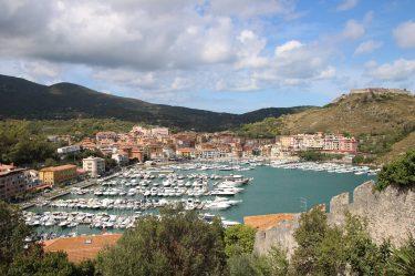 Der Hafen in der Bucht von Porto Ercole.