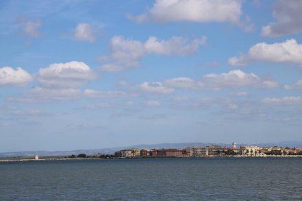Blick über die Lagune auf Orbetello.