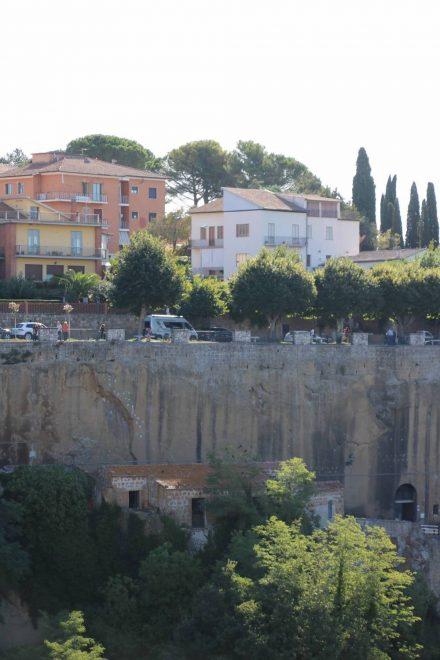 Mein Adria Twin Camping-Van hat mich auch die steilen Straßen hinauf nach Pitigliano gebracht.