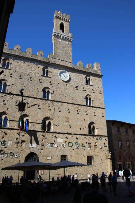 Der Palazzo dei priori ist der älteste Kommunalpalast Italiens.