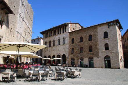 Der berühmte zentrale Platz von Massa Marittima in der Toskana.