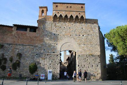 Altes Stadttor ins Zentrum von San Gimignano.
