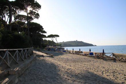 Die schöne Strandwanderung vom Camping Baia Verde bis nach Punta Ala dauert ca. eine Stunde.