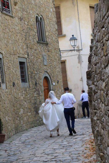 Die idyllischen, mittelalterlichen Gassen von Montefloralle sind auch bei Brautpaaren beliebt.
