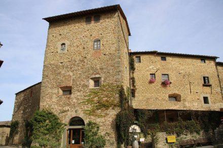 Im Castello Volpaia ist heue ein Weingut mit Übernachtungsmöglichkeiten untergebracht.