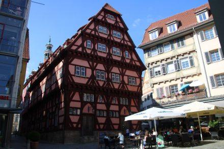 Viele schöne Plätze laden in der Esslingen Altstadt zum Verweilen ein.